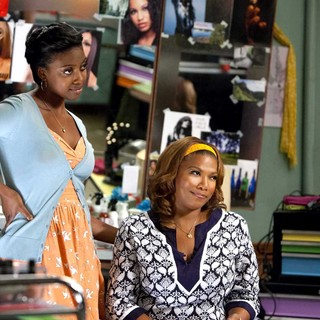 Condola Rashad stars as Shelby and Queen Latifah stars as M'Lynn in Lifetime Movie Network's Steel Magnolias (2012)