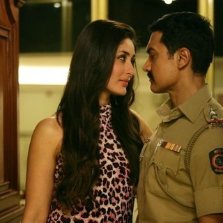 Kareena Kapoor stars as Rosy and Aamir Khan stars as Surjan Singh Sekhawat in Reliance Big Pictures' Talaash (2012)