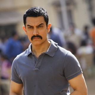 Aamir Khan stars as Surjan Singh Sekhawat in Reliance Big Pictures' Talaash (2012)
