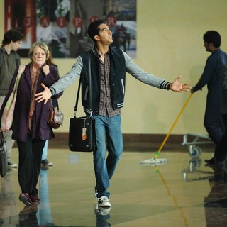 Maggie Smith stars as Muriel Donnelly and Dev Patel stars as Sonny Kapoor in Fox Searchlight Pictures' The Second Best Exotic Marigold Hotel (2015) - the-2nd-marigold-hotel-img05
