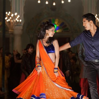 Tena Desae stars as Sunaina and Dev Patel stars as Sonny Kapoor in Fox Searchlight Pictures' The Second Best Exotic Marigold Hotel (2015) - the-2nd-marigold-hotel08
