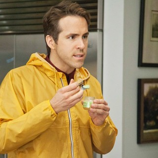 Ryan Reynolds stars as Mitch in Universal Pictures' The Change-Up (2011)