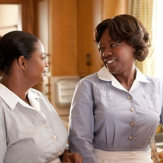 Octavia Spencer stars as Minny Jackson and Viola Davis stars as Aibileen Clark in DreamWorks SKG's The Help (2011) - the-help-pic06