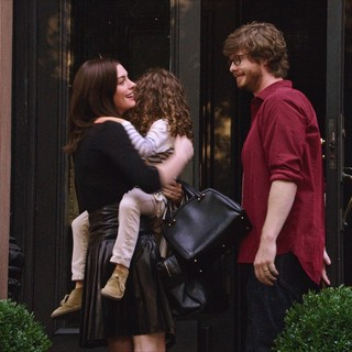 Intern, The - Anne Hathaway (stars as Jules Ostin) and Zack Pearlman in Warner Bros. Pictures' The Intern (2015)