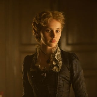 The Invisible Woman Picture 9