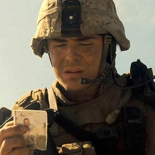 Zac Efron stars as Logan Thibault in Warner Bros. Pictures' The Lucky One (2012)