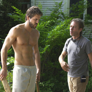 Director Andrew Douglas and Ryan Reynolds in MGM's The Amityville Horror (2005)