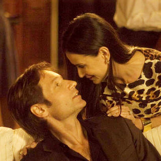 David Duchovny stars as Steve and Demi Moore stars as Kate in Roadside Attractions' The Joneses (2010) - the_joneses10