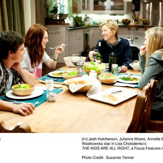 Josh Hutcherson, Julianne Moore, Annette Bening and Mia Wasikowska in Focus Features' The Kids Are All Right (2010) - the_kids_are_all_right14