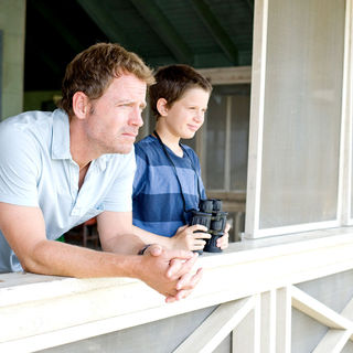 Greg Kinnear stars as Steve Miller and Bobby Coleman stars as Jonah Miller in Walt Disney Pictures' The Last Song (2010) - the_last_song13