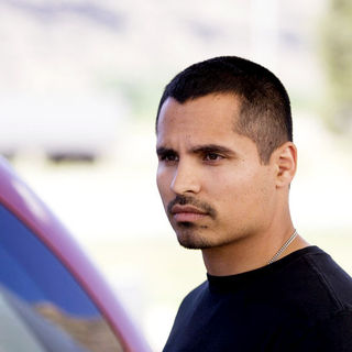 Michael Pena stars as TK in Lionsgate Films' The Lucky Ones (2008) - the_lucky_ones_02