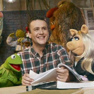 Jason Segel stars as Gary in Walt Disney Pictures' The Muppets (2011)