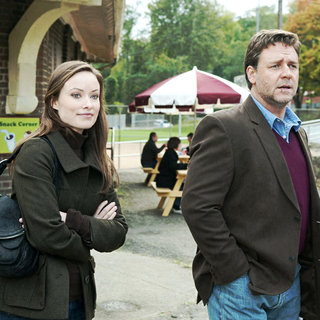 Russell Crowe stars as John Brennan and Olivia Wilde stars as Nicole in Lionsgate Films' The Next Three Days (2010). Photo credit by: Phil Caruso.
