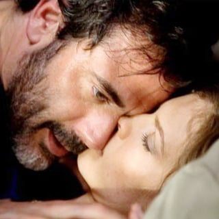 Jeffrey Dean Morgan stars as Max and Hilary Swank stars as Dr. Juliet Dermer in Hammer Films' The Resident (2010) - the_resident05