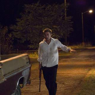 SCOTT SPEEDMAN as James Hoyt in Rogue Pictures' The Strangers (2008). - the_strangers07