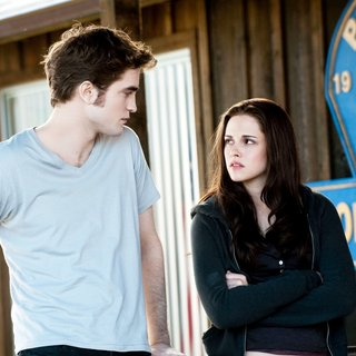Twilight Saga's Eclipse, The - Robbert Pattinson stars as Edward Cullen and Kristen Stewart stars as Bella Swan in Summit Entertainment's The Twilight Saga's Eclipse (2010)