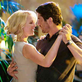 Katherine Heigl stars as Abby Richter and Gerard Butler stars as Mike Alexander in Columbia Pictures' The Ugly Truth (2009)