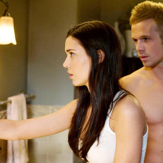 Odette Yustman stars as Casey Beldon and Cam Gigandet stars as Mark Hardigan in Rogue Pictures' The Unborn (2009) - the_unborn05