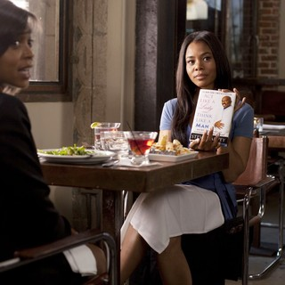 Taraji P. Henson stars as Lauren and Regina Hall stars as Candice in Screen Gems' Think Like a Man (2012). Photo credit by Photo by Alan Markfield. - think-like-a-man05