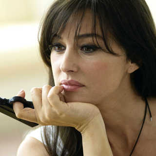 Monica Bellucci stars as Gigi Lee in Screen Media Films' The Private Lives of Pippa Lee (2009) - tplopl09