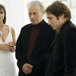 Monica Bellucci, Alan Arkin and Mike Binder in Screen Media Films' The Private Lives of Pippa Lee (2009) - tplopl11