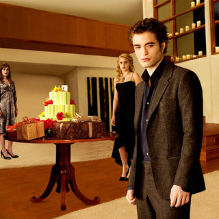 Ashley Greene, Jackson Rathbone, Kellan Lutz, Elizabeth Reaser, Nikki Reed and Robert Pattinson in Summit Entertainment's The Twilight Saga's New Moon (2009) - twilight_saga_s_new_moon43