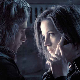 "Kate Beckinsale as Selene in Screen Gems' ""Underworld: Evolution"" (2006) - underworld_2_08"