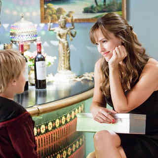 Bryce Robinson stars as Edison and Jennifer Garner stars as Julia Fitzpatrick in New Line Cinema's Valentine's Day (2010)