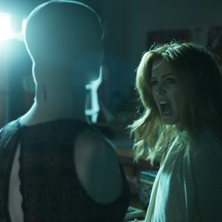 Isla Fisher stars as Eveleigh in Blumhouse Productions' Visions (2016) - visions03