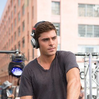 Zac Efron stars as Cole in Warner Bros. Pictures' We Are Your Friends (2015) - we-are-your-friends09