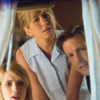 Emma Roberts, Jennifer Aniston and Jason Sudeikis in Warner Bros. Pictures' We're the Millers (2013)