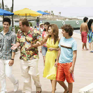 Wizards of Waverly Place: The Movie Picture 10