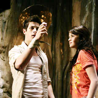 David Henrie stars as Justin Russo and Selena Gomez stars as Alex Russo in Disney Channel's Wizards of Waverly Place: The Movie (2009) - wizards_of_waverly_place31