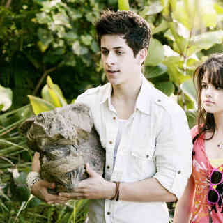 David Henrie stars as Justin Russo and Selena Gomez stars as Alex Russo in Disney Channel's Wizards of Waverly Place: The Movie (2009) - wizards_of_waverly_place37