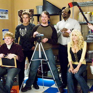 Ricky Mabe, Jason Mewes, Jeff Anderson, Craig Robinson, Katie Morgan and Traci Lords in The Weinstein Company's Zack and Miri Make a Porno (2008) - zammap17