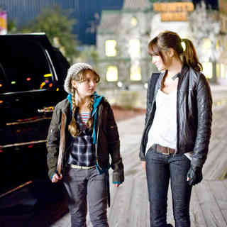 Abigail Breslin stars as Abigail Breslin and Emma Stone stars as Wichita in Columbia Pictures' Zombieland (2009)