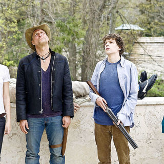 Emma Stone, Woody Harrelson, Jesse Eisenberg and Abigail Breslin in Columbia Pictures' Zombieland (2009) - zombieland23