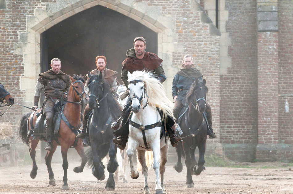 ... Russell Crowe and Alan Doyle in Universal Pictures' Robin Hood (2010)
