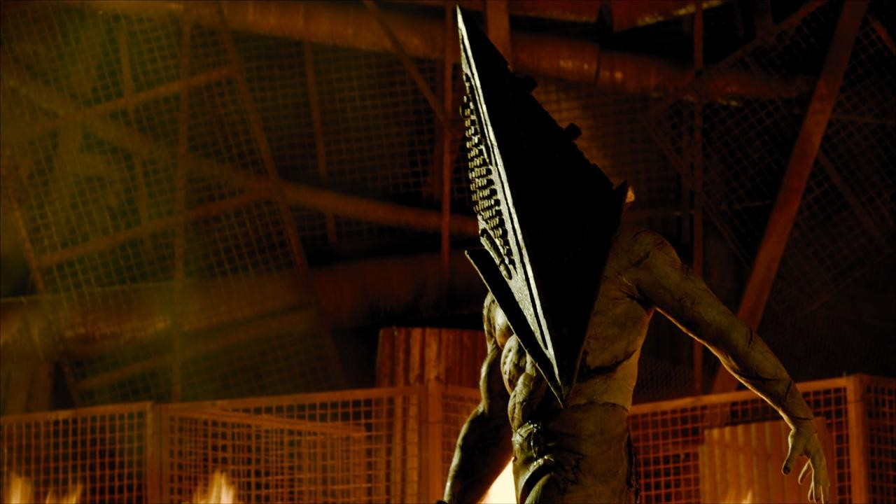 Silent Hill: Revelation 3D Picture 22Silent Hill Revelation Pyramid Head Fight Scene