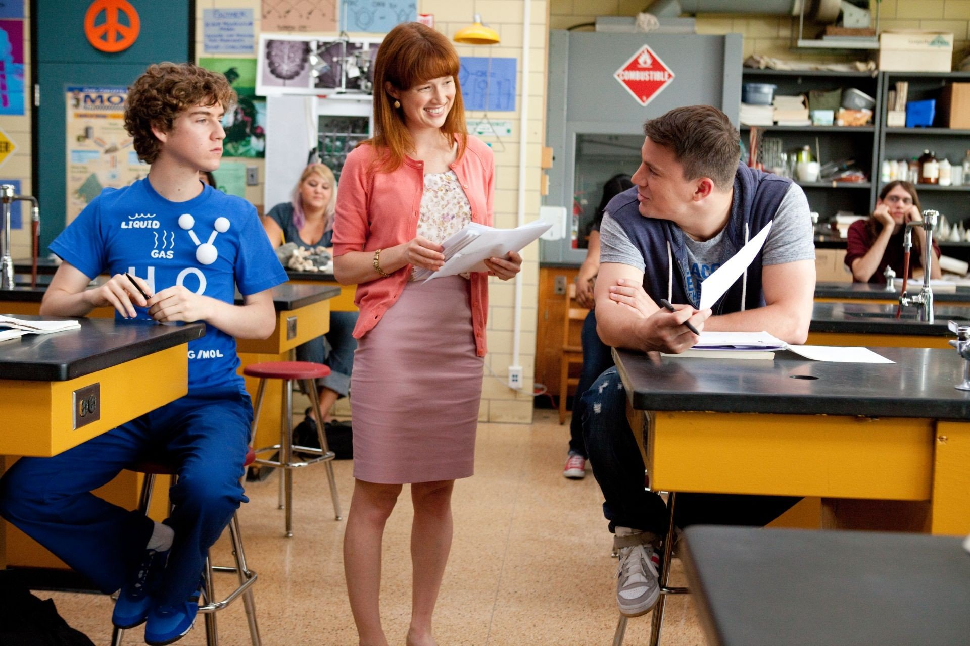 Ellie Kemper stars as Ms. Griggs and Channing Tatum stars as Jenko in Columbia Pictures' 21 Jump Street (2012)
