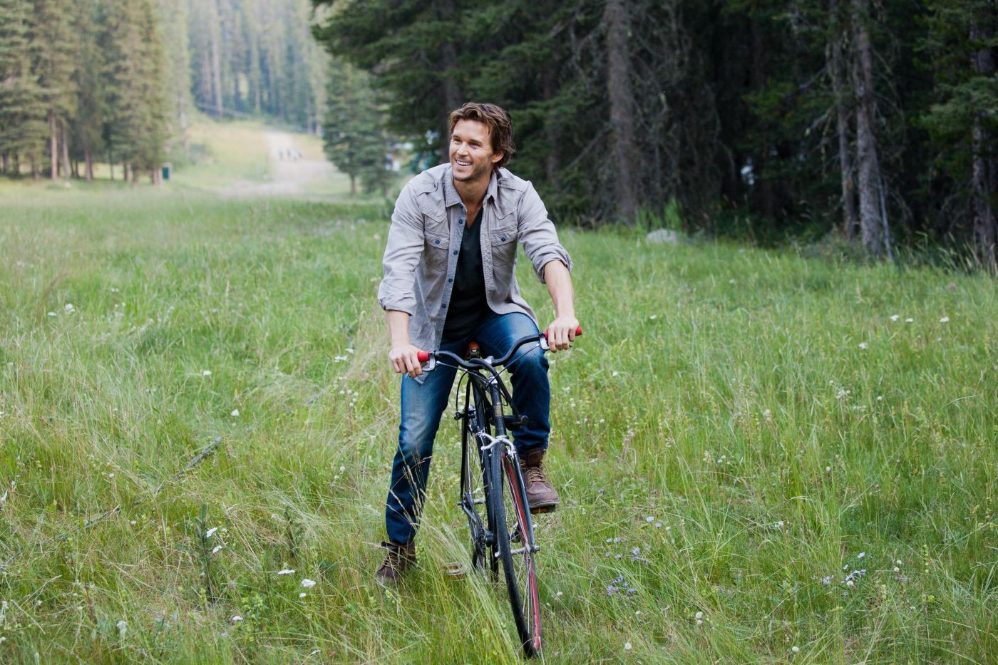 Ryan Kwanten stars as Leo Palamino in Magnolia Pictures' The Right Kind of Wrong (2014)
