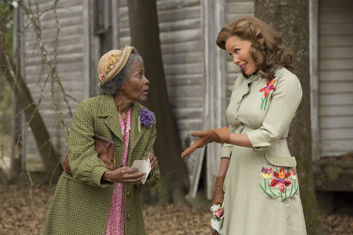 Cicely Tyson stars as Mrs. Watts and Vanessa Williams stars as Jessie Mae Watts in Lifetime's The Trip to Bountiful (2014). Photo credit by Bob Mahoney.