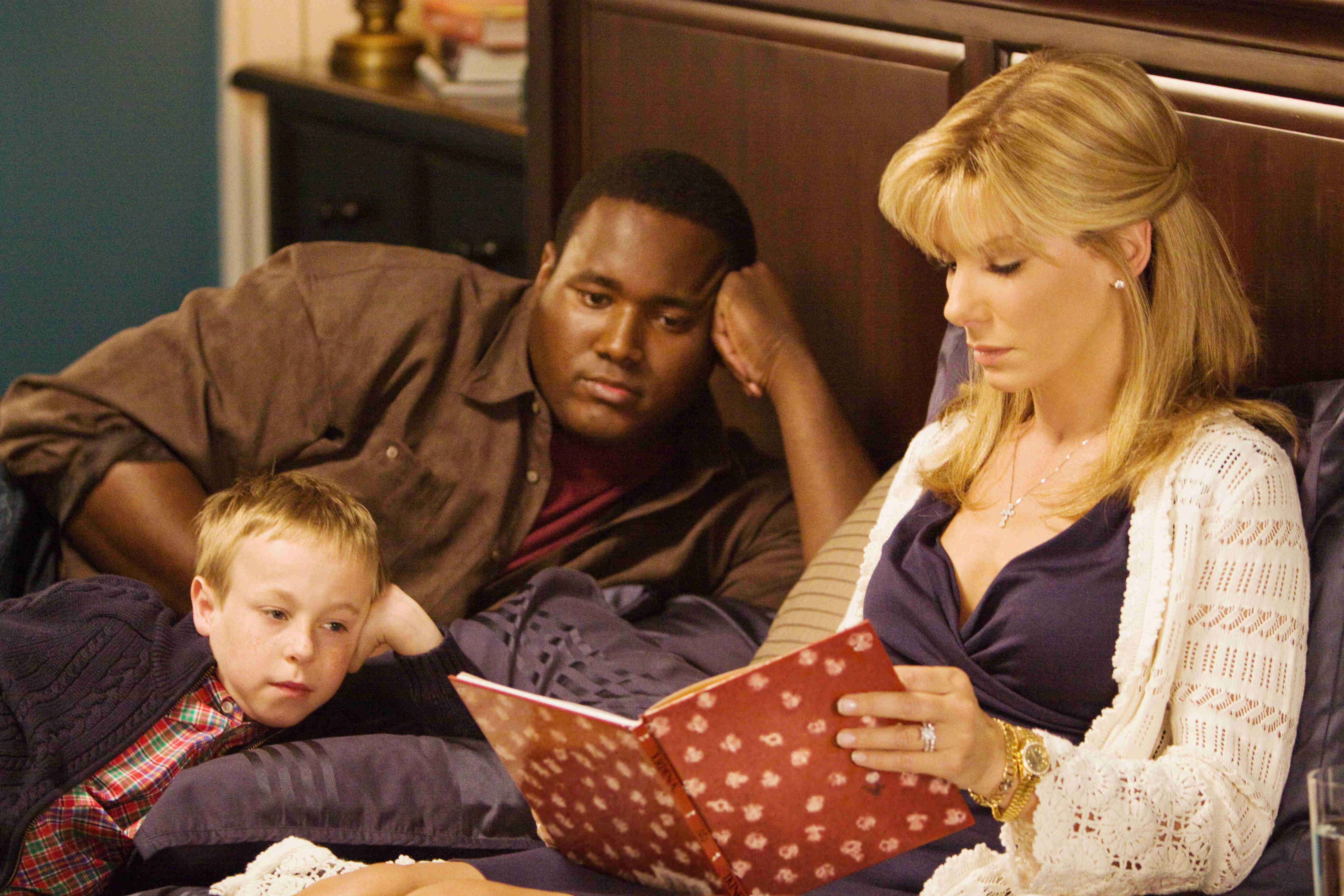 Jae Head, Quinton Aaron and Sandra Bullock in The 20th Century Fox's The Blind Side (2009)