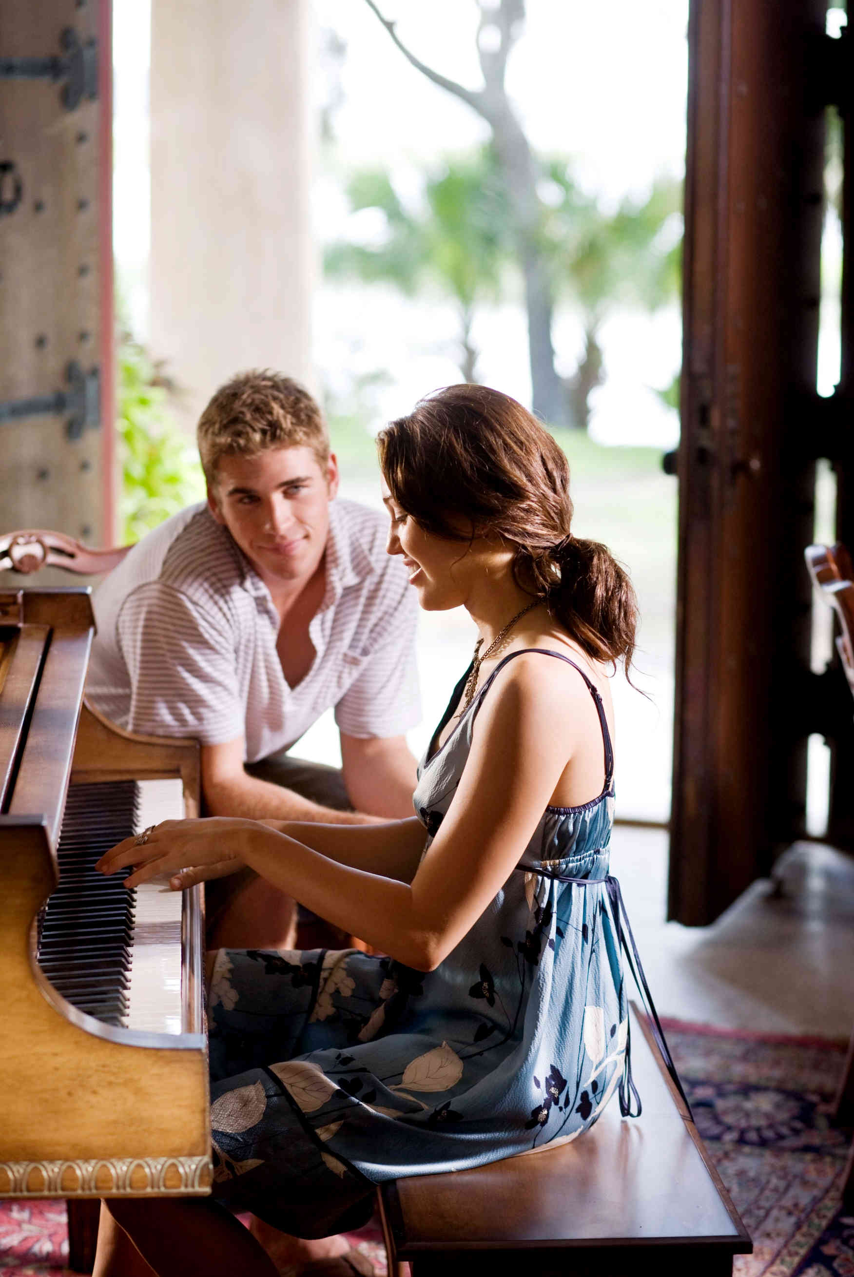 Miley Cyrus' 'The Last Song' Unleashes New Stills