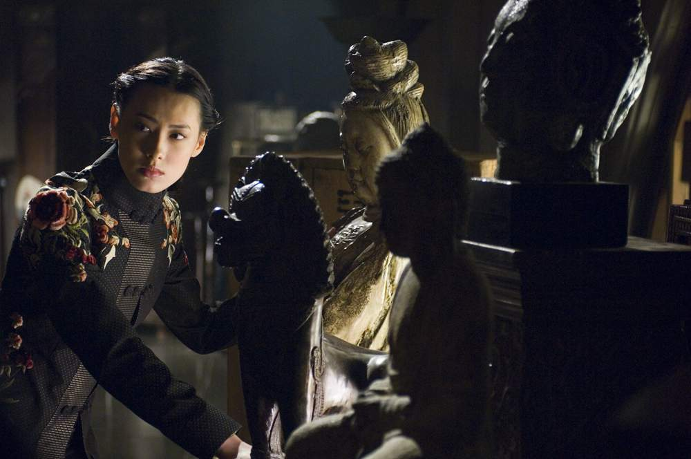 ISABELLA LEONG as the mysterious tomb guardian Li in The Mummy: Tomb of the Dragon Emperor.