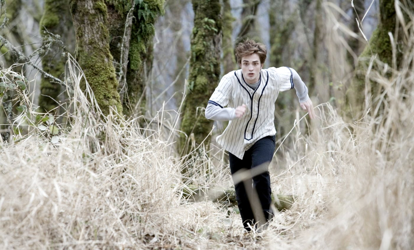 Robert Pattinson stars as Edward Cullen in Summit Entertainment`s Twilight (2008)