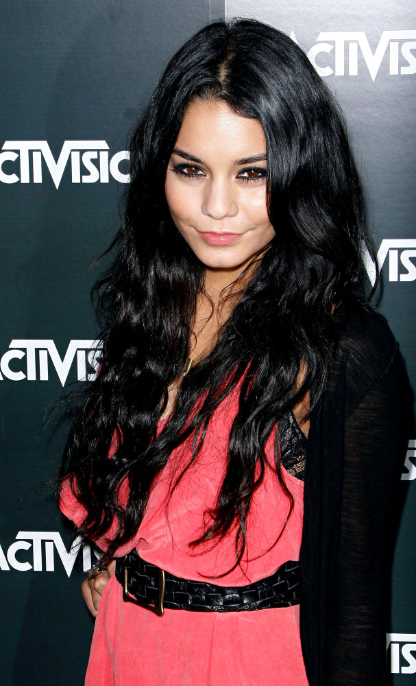 Vanessa Hudgens: Topless Photo Scandal Makes Me Stronger