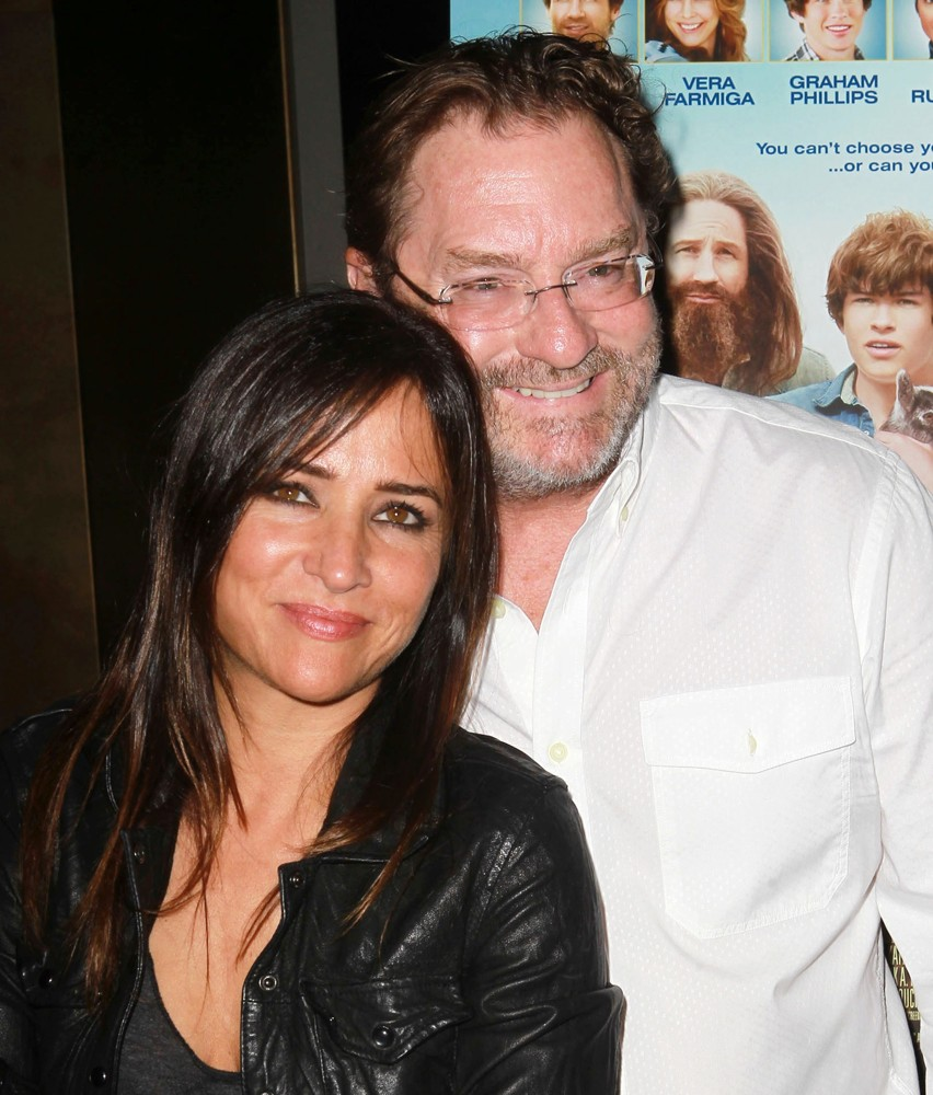 Pamela Adlon with friendly, Single
