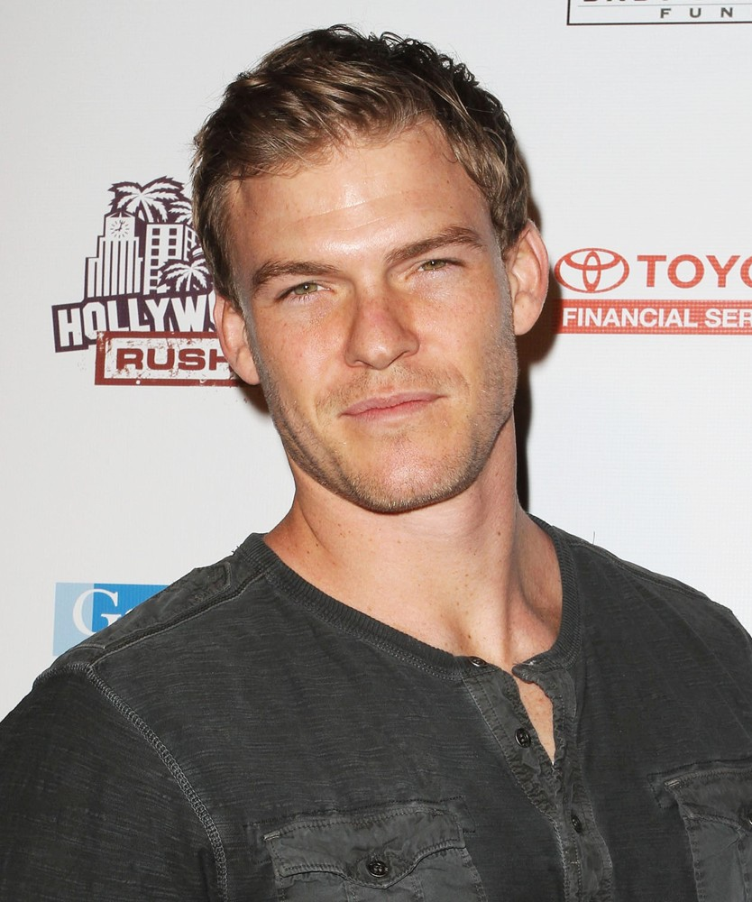 Alan Ritchson - New Photos
