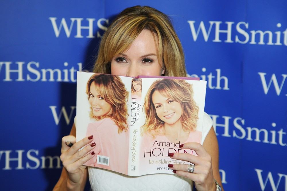 Amanda Holden<br>Amanda Holden Signs Copies of Her Autobiography No Holding Back